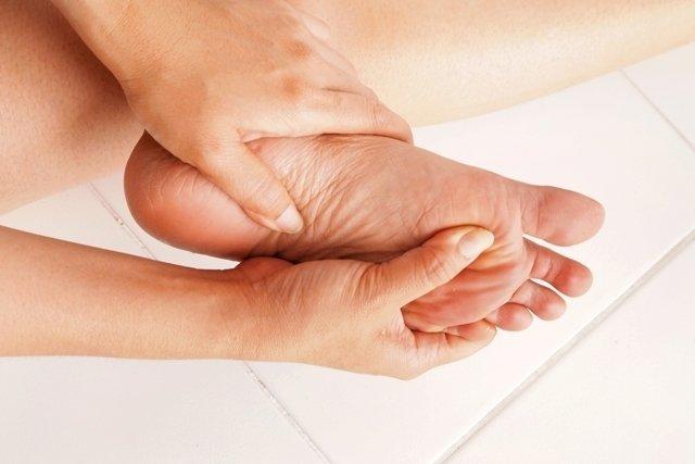6 formas de combater a dor nos pés