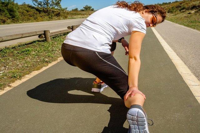 Da efeitos tensos dos panturrilha músculos