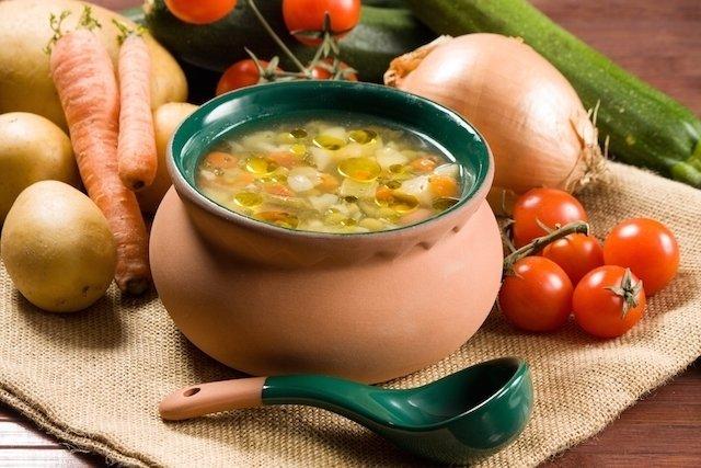 5 receitas de sopa com menos de 200 calorias