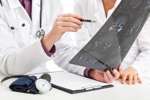O que é Esclerose Múltipla, tipos, sintomas e tratamento