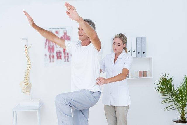 Bursite no quadril: o que é, principais sintomas e tratamento