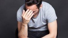 Qué puede causar manchas en el pene y qué debe hacer