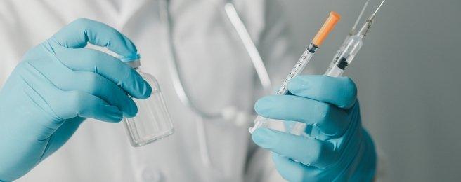 Quando tomar terceira dose ou reforço da vacina da COVID-19?