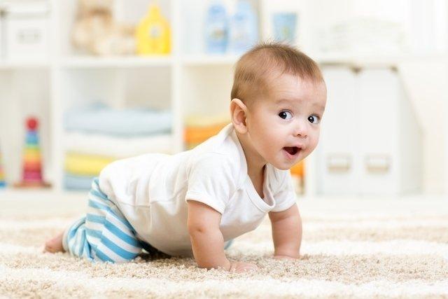 Bebê com 8 meses